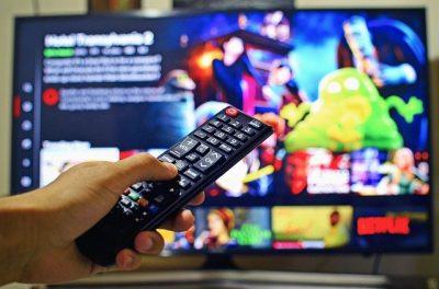 テレビでNetflixを見る