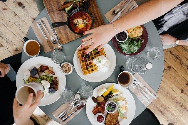 食事(Free-PhotosによるPixabayからの画像)
