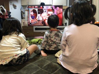 トイ・ストーリーに熱中する子供たち