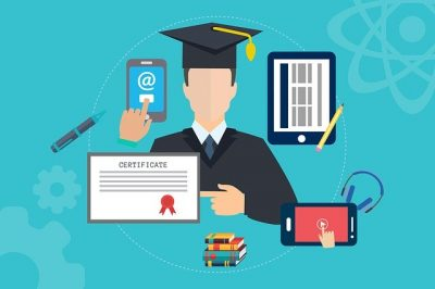 オンライン教育(Mudassar IqbalによるPixabayからの画像)