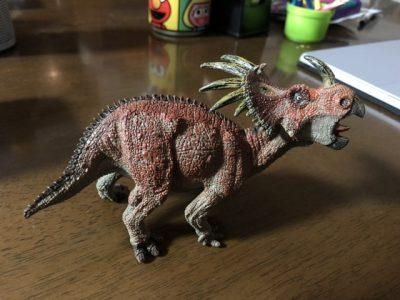 スティラコサウルス・右